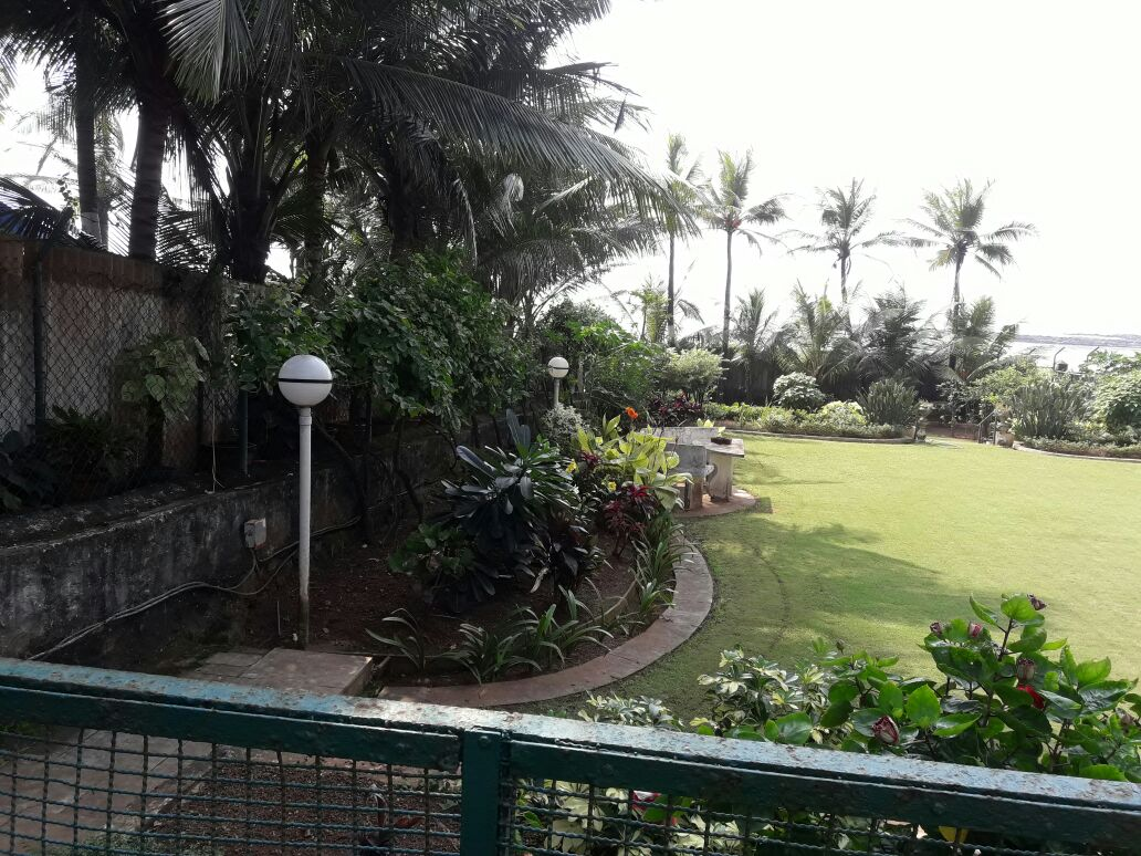 shooting bungalows in madh island